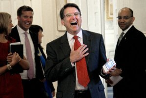 Poll: McCrory Leads Cooper